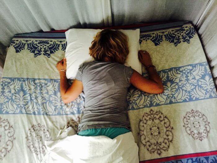 Krank im Urlaub mit Kind: Das hilft, wenn es Dich erwischt