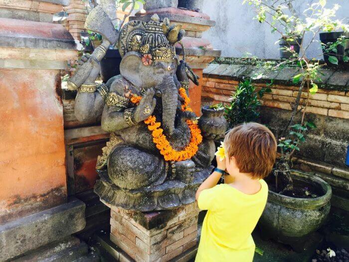 Von Balinesischen Wundern und Heilern