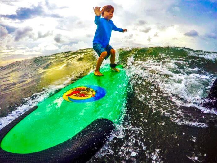 Surfen auf Bali