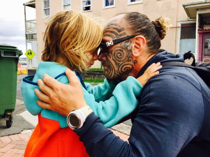 Maori auf Neuseeland Reise mit Kind