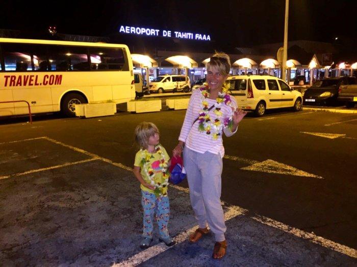 Flughafen Tahiti mit Kind