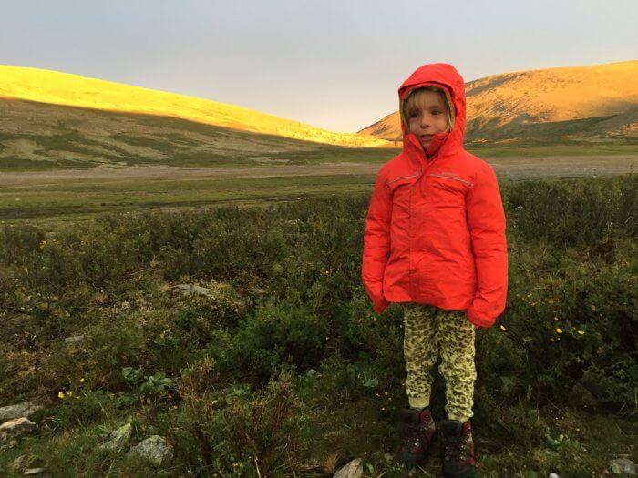 Auf Pferden mit Kind durch die Mongolei - Landschaft
