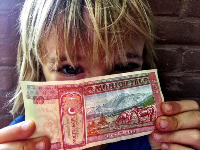 Das kostet ein Monat für Dich und Dein Kind... in der Mongolei