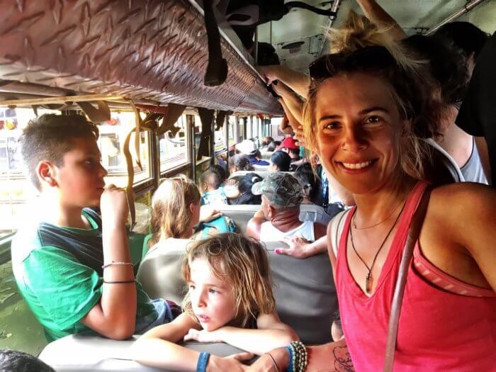 Weihnachten in Nicaragua mit Kind - Bus fahren