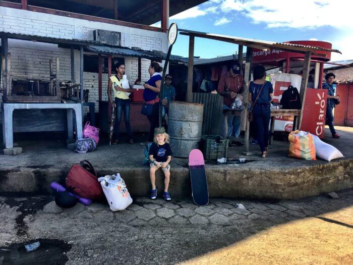 Weihnachten in Nicaragua mit Kind - Mit Bus unterwegs